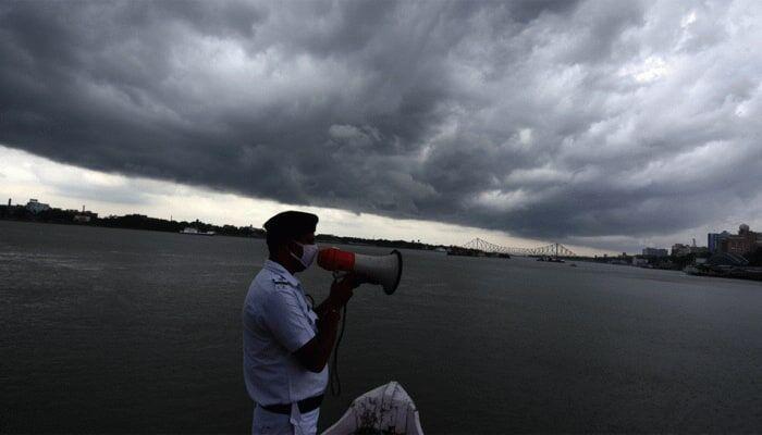 تخلیه نیم میلیون نفر از مناطق ساحلی هند و بنگلادش برای توفان امفان
