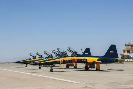وزارت دفاع 3 فروند جنگنده جدید کوثر را به ارتش تحویل داد
