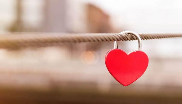 تبریک روز دختر به عشقم با 23 پیام عاشقانه و زیبا