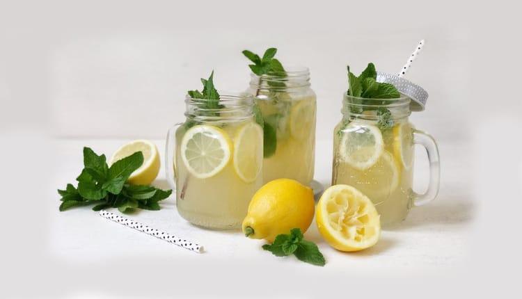 طرز تهیه شربت لیموناد خانگی محشر، به سه روش رستورانی