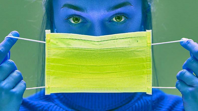 چطور به آدم هایی که استرس ناشی از ماسک زدن پیدا می کنند، کمک کنیم؟