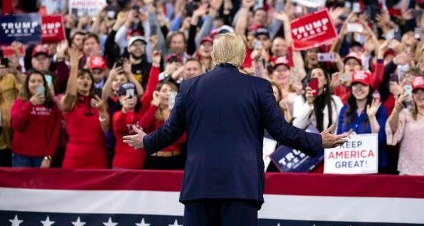 خبرنگاران واشنگتن پست:کارزارهای انتخاباتی ترامپ به محل شیوع کرونا تبدیل شده اند