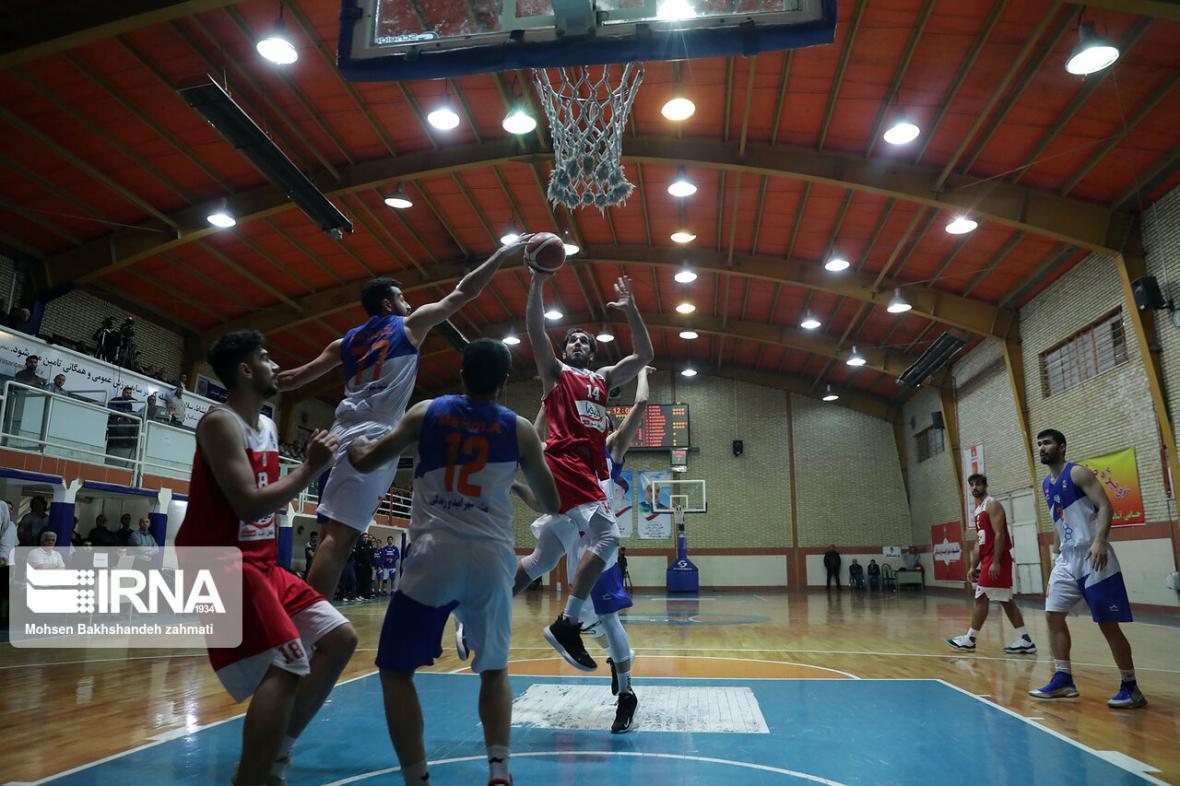 خبرنگاران پیروزی قاطعانه تیم بسکتبال مهرام برابر نیروی زمینی