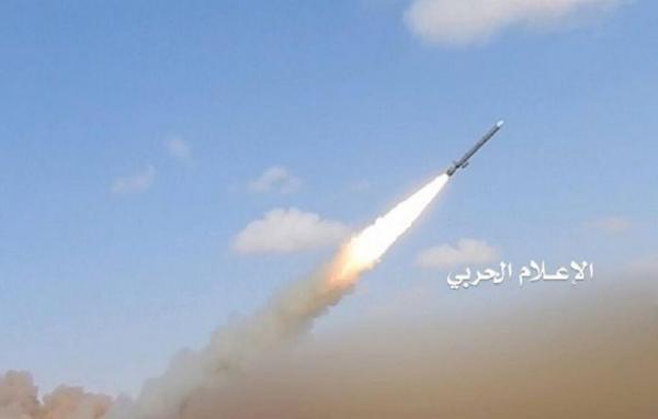 خبرنگاران ارتش یمن پایگاه هوایی عربستان را هدف قرار داد