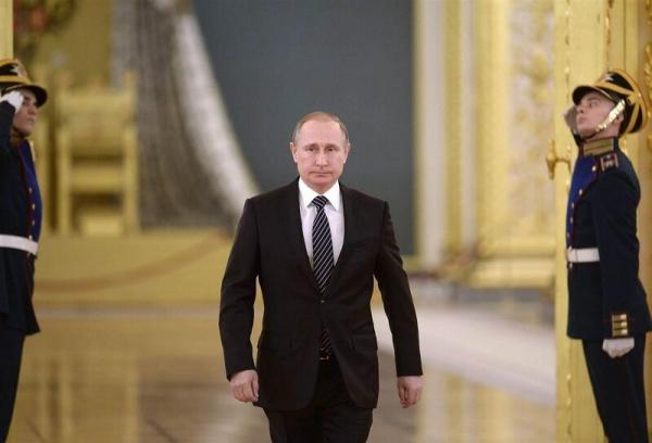 پوتین: دندان های متجاوزان به خاک روسیه را خرد می کنیم